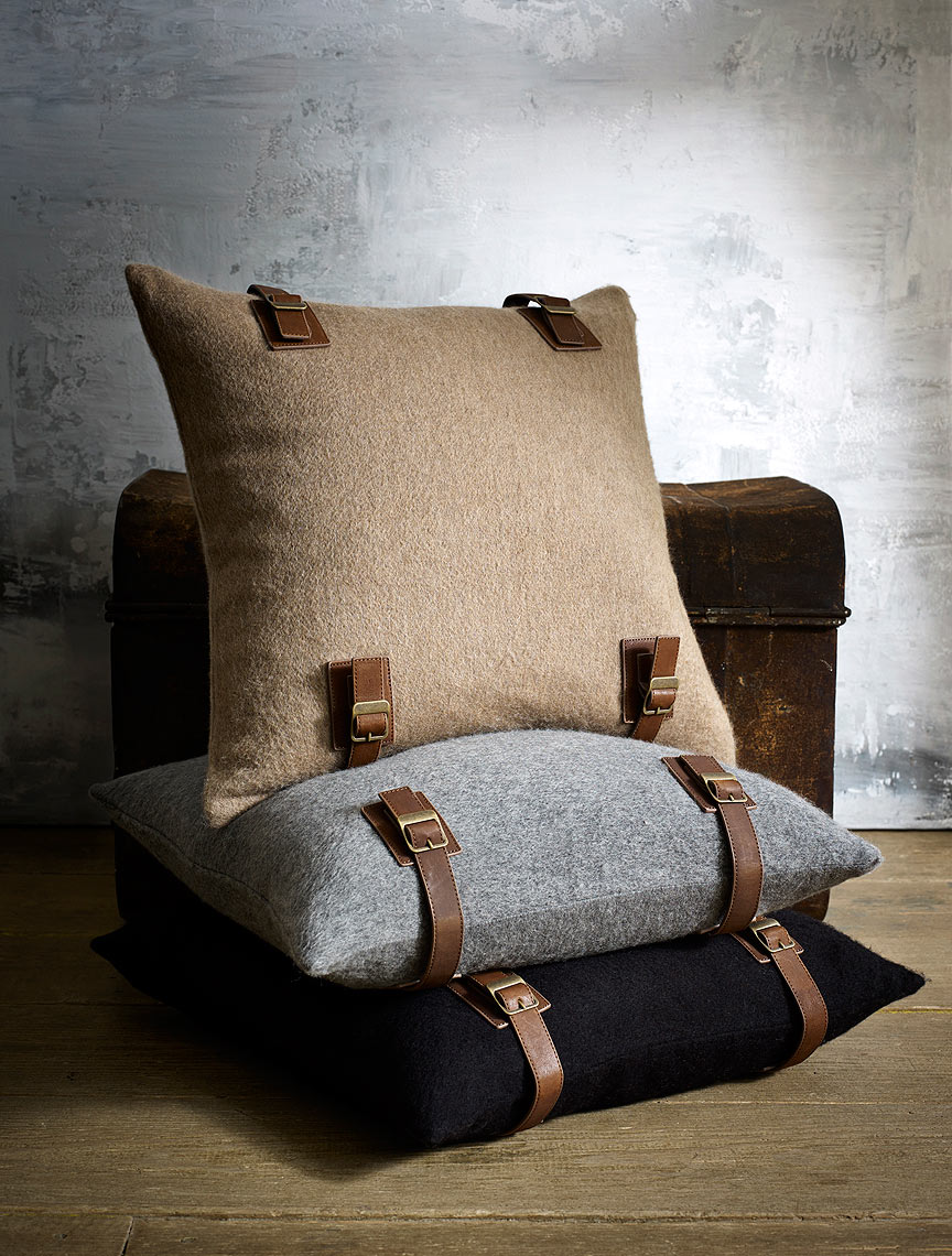 5_Luxe_Lodge_Pillow_223