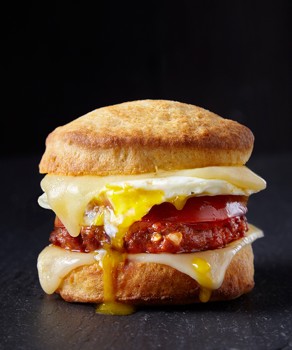 Breakfast_Sandwich_Biscuit_239F