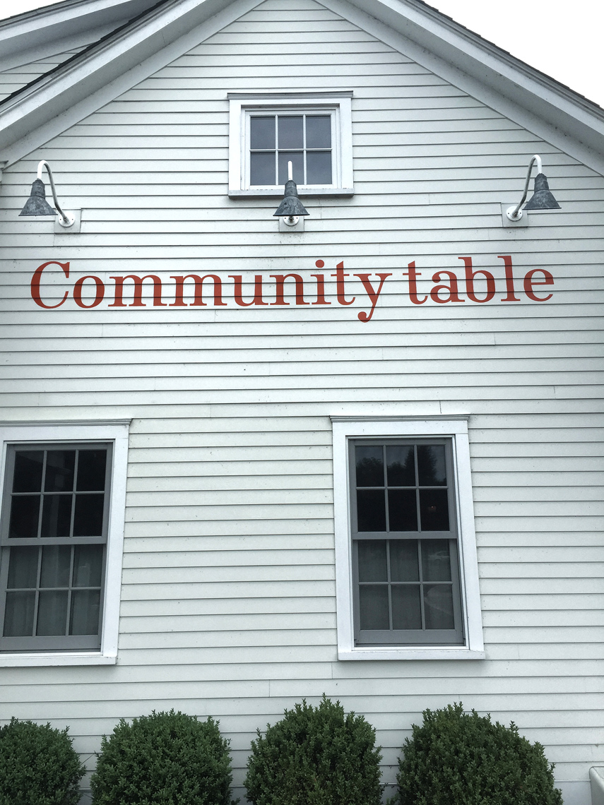 Community_Table_004